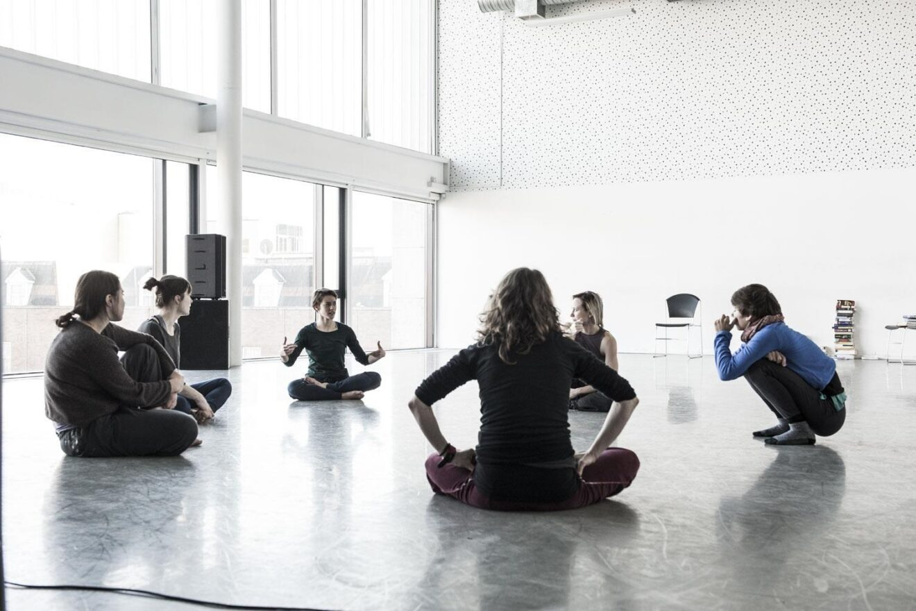MAKE & MOVE | A two-week intensive for emerging choreographers