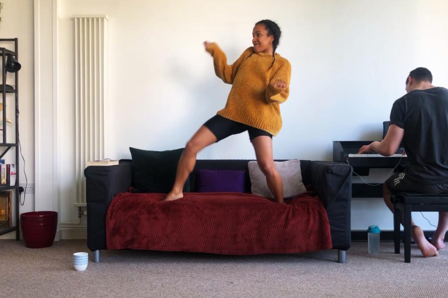 The Sofa Dance by Mimbre © Joana Dias