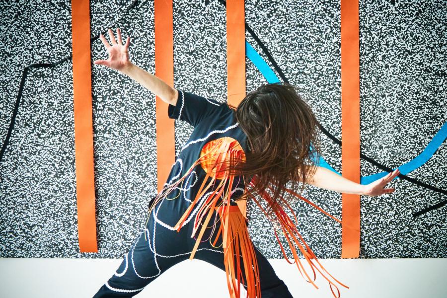 The Shake by Laura Murphy © Pato Cassinoni